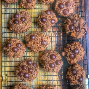 peanut butter chocolate chip cookies on a cooling rack